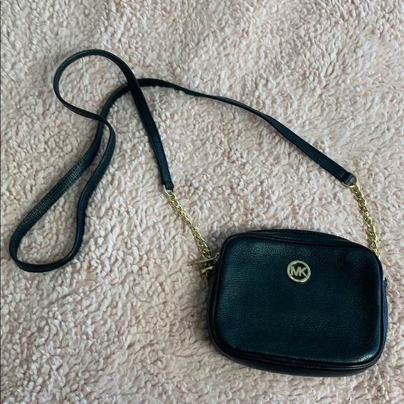 Michael Kors Handbags - Black Michael Kors Crossbody Bag
